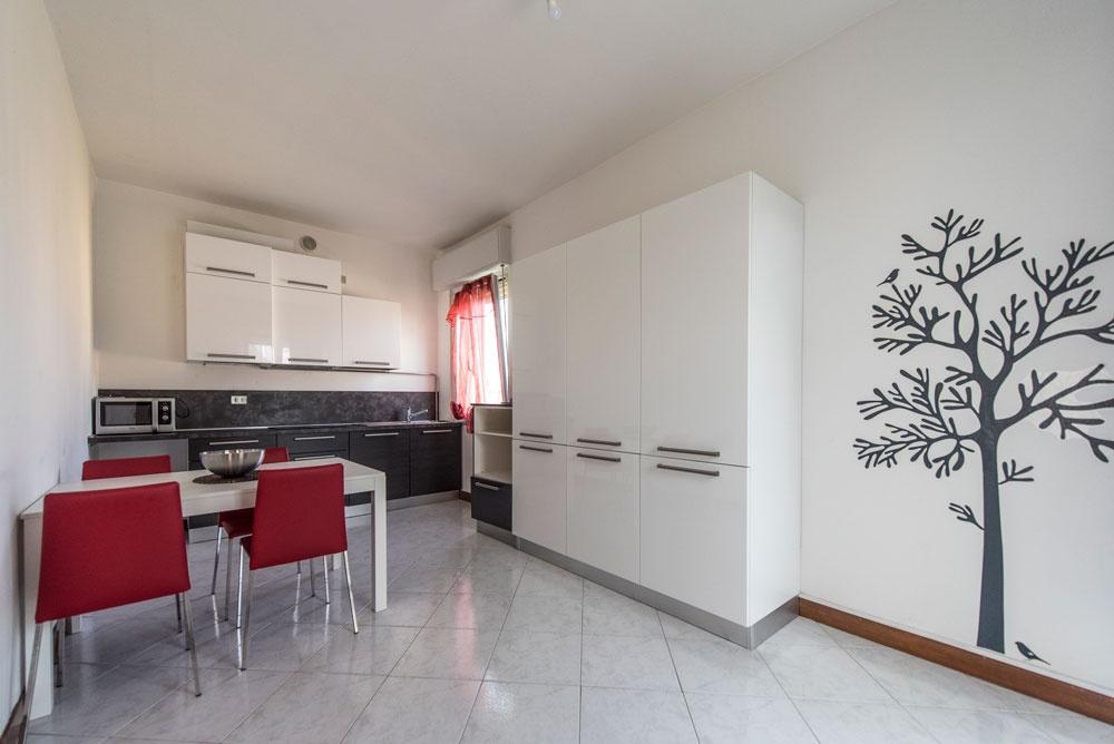 La casa rosa cucina