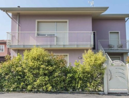 La Casa Rosa Apartments, casa vacanze appartamenti a Lugana di Sirmione