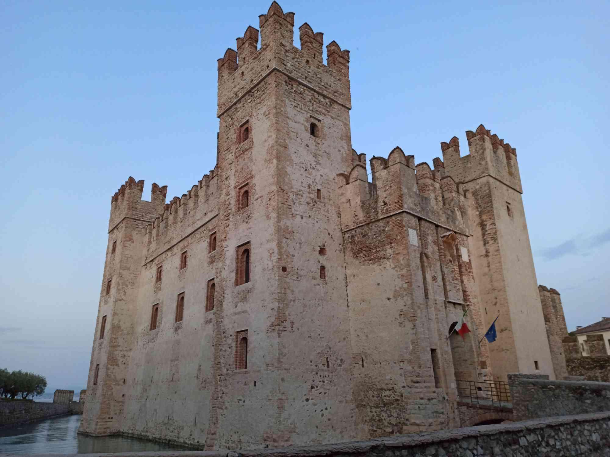 Castello Vista laterale